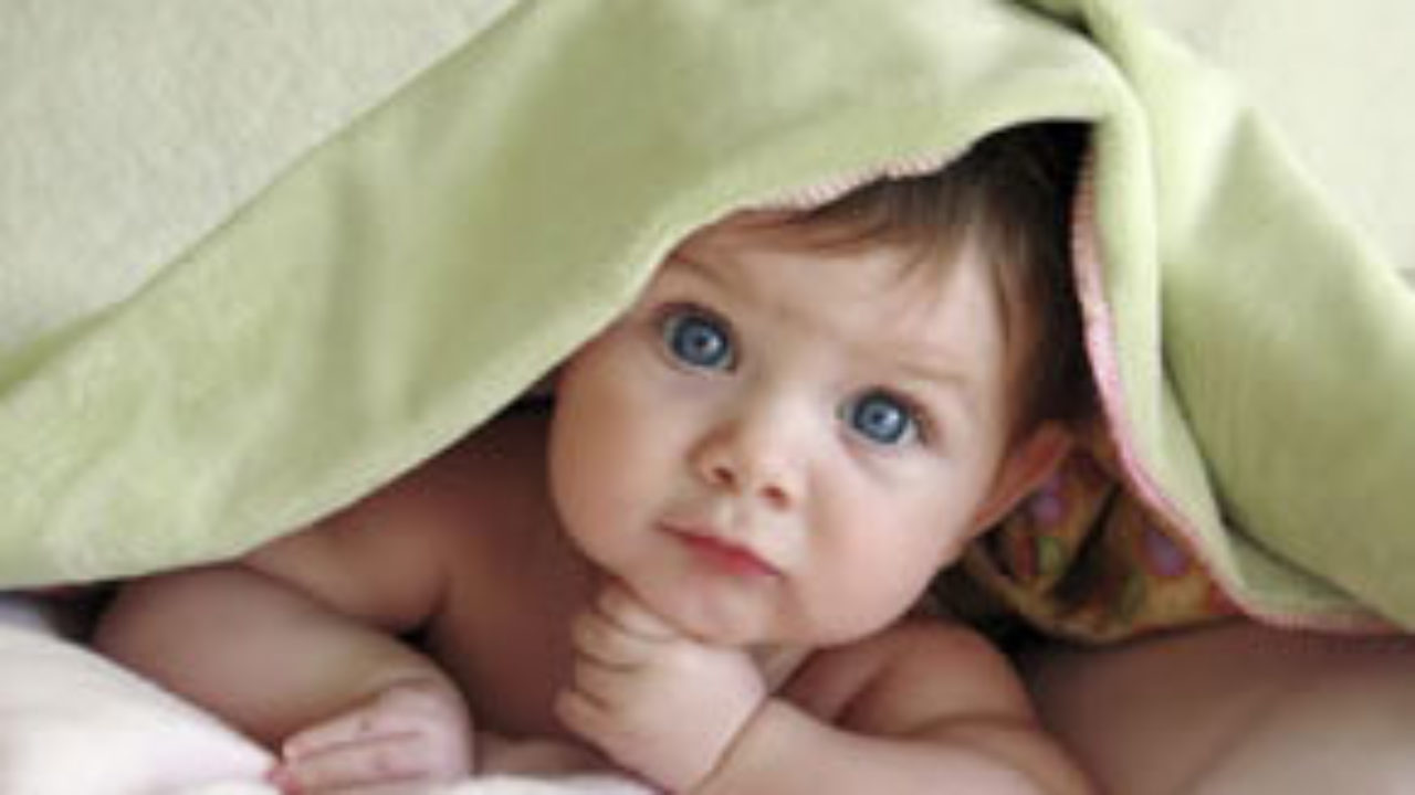 Quando Inizia A Gattonare Neonato primo anno di vita: fasi dello sviluppo | bravi bimbi