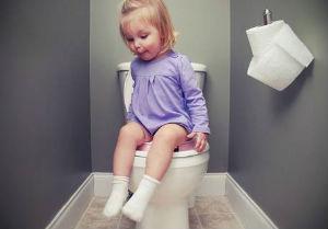 In bagno da sola