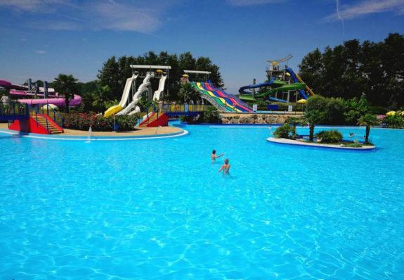 ondaland piscina scivoli