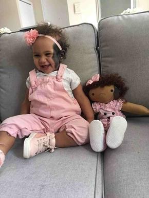 Mamma realizza bambole disabili