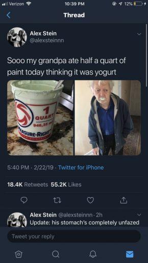nonno mangia la vernice credendola yogurt