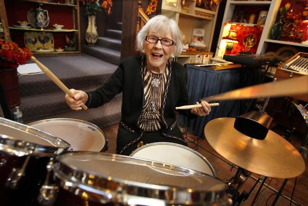 viola smith, la batterista centenaria